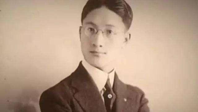 徐志摩<a href='http://www.dushui.ren/' target='_blank'><u>诗歌</u></a>《海韵》赏析